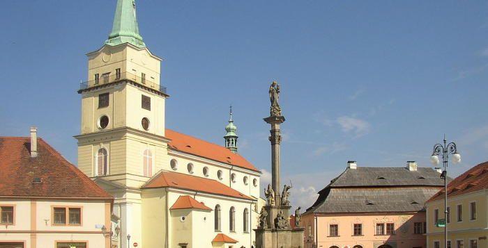 #Rokycany >>> http://plzen.cz/tag/rokycany/ Svíce v kostele Panny Marie Sněžné