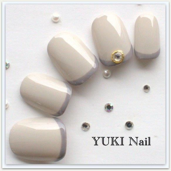 グレー×グレーの秋冬ネイル|ネイルチップ|yuki nail|ハンドメイド通販・販売のCreema