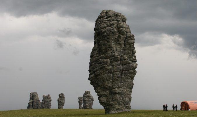 Les «Sept géants de l'Oural», intrigantes formations rocheuses en Russie