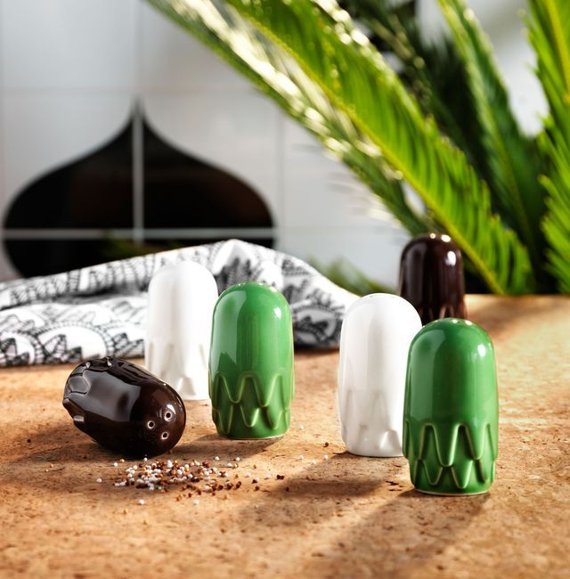 Salt and pepper Tillfälle.  3.99 euros, Earthenware.  Assorted colors.  Ikea.