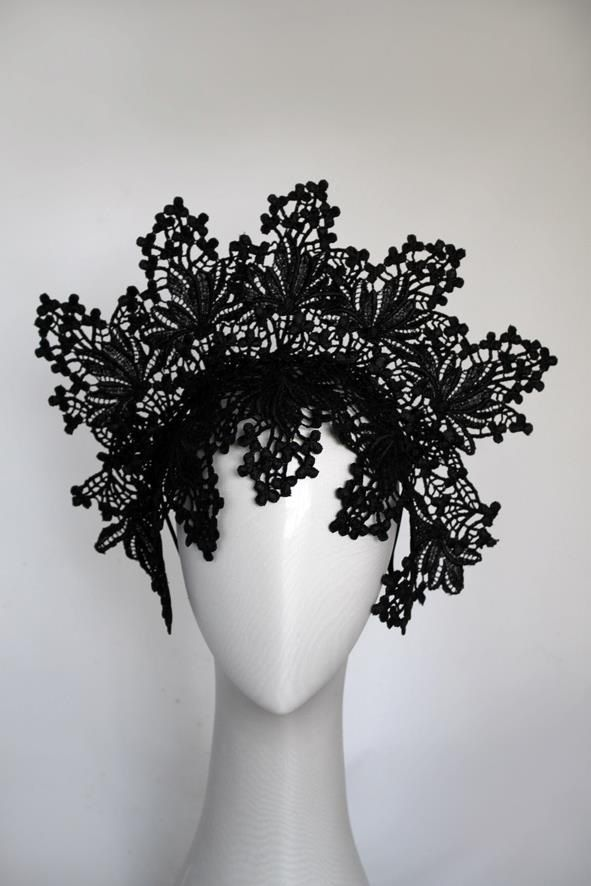 stunning lace headpiece ♥                                                                                                                                                     More