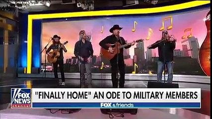 Tracy Lawrence and Craig Morgan perform 'Finally Home'