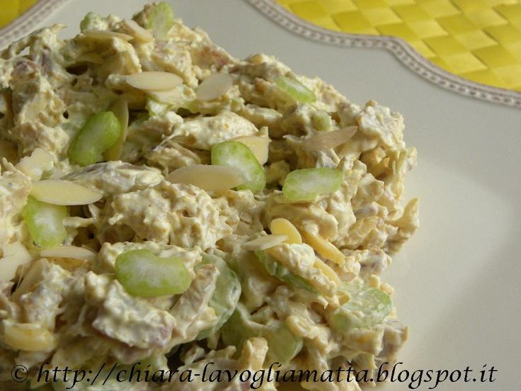 insalata di pollo, sedano e mandorle