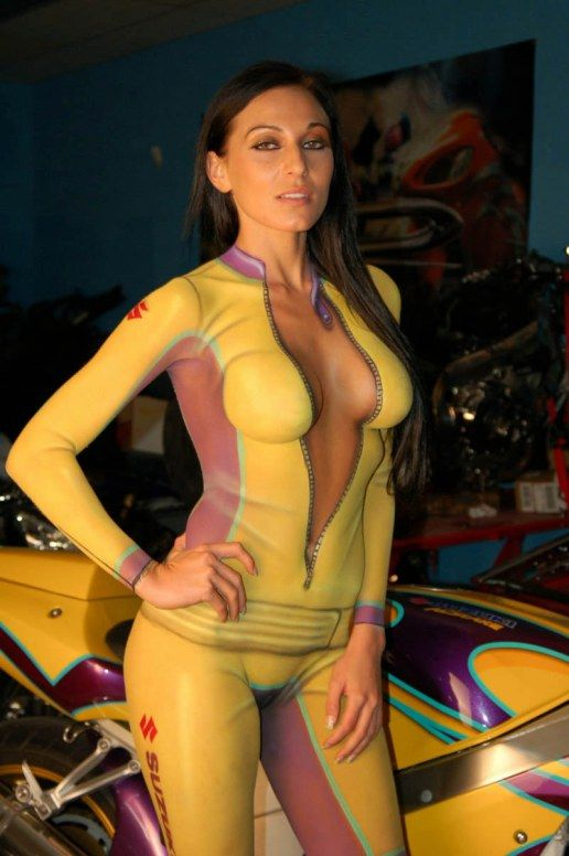 man show to pussy Woman body paint