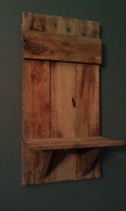 Wood Pallet Crafts   ** Follow all of our boards** http://www.pinterest.com/bound4burlingam/