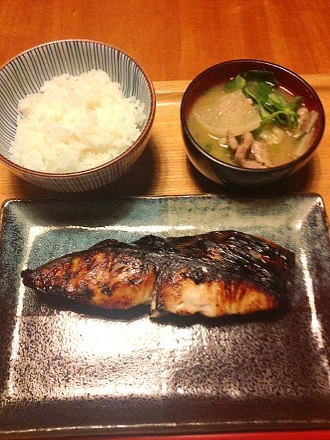 焼き過ぎた! - 4件のもぐもぐ - 鰆の西京漬、豚汁 by yuyususu