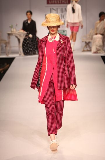 Péro by Aneeth Arora. http://www.vogue.in/content/lust-list-20-best-summer-jackets#5