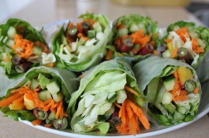 spring rollsy z sałaty