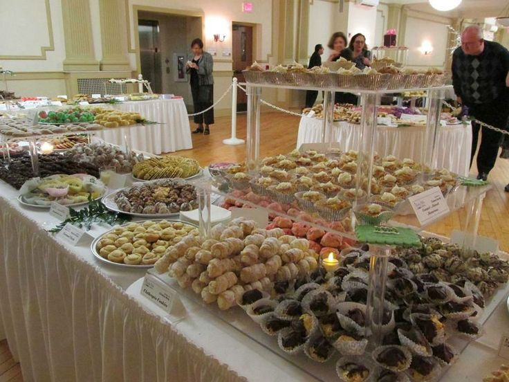 every youngstown wedding has a cookie table