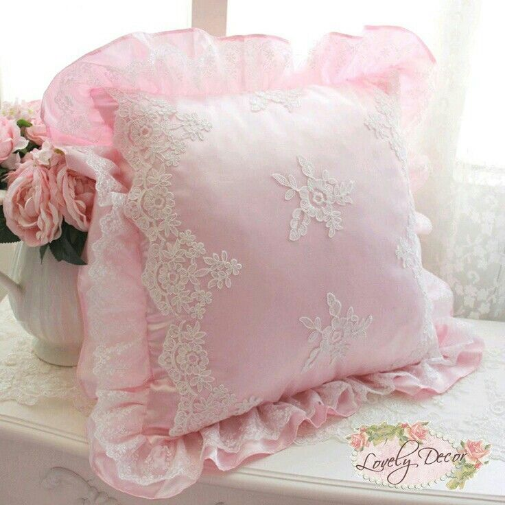 1000+ images about Beautiful Pillows on Pinterest Embroidered pillows, Shabby chic and Tambour