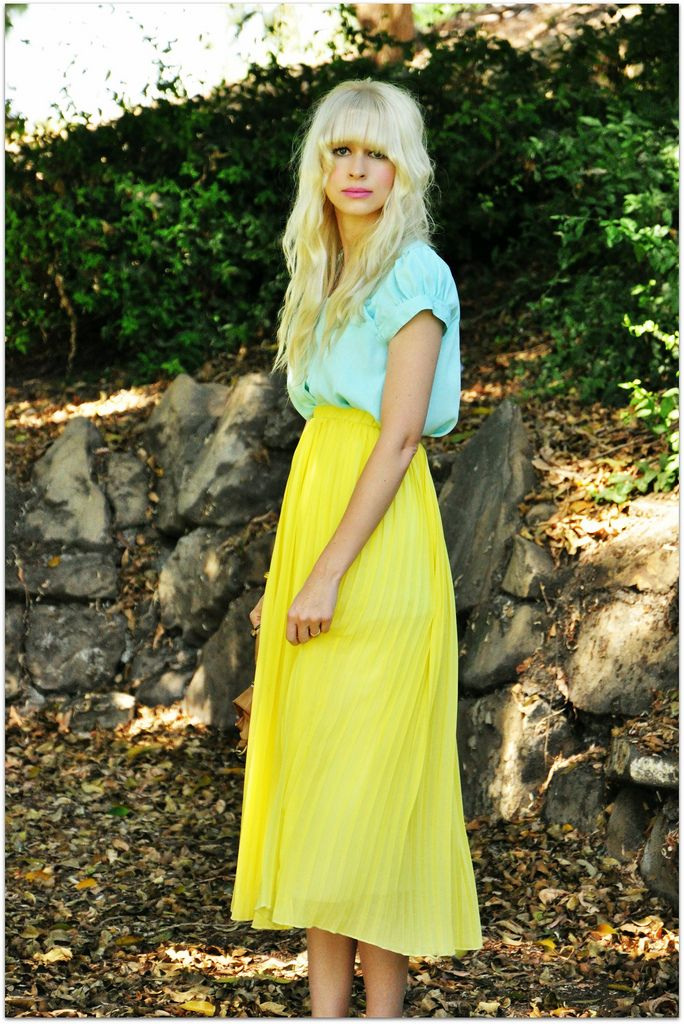 yellow: Midi Skirts, Colors Combos, Spring Colors, Outfit, Long Skirts, Yellow Skirts, Mint Green Tops, Bright Colors, Maxi Skirts