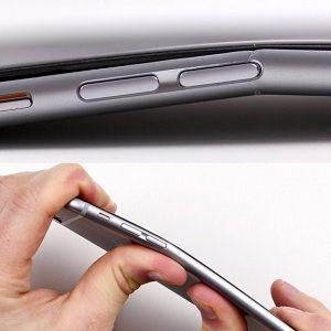 L'iPhone 6 ha un difetto: si può piegare anche tenendolo in tasca
