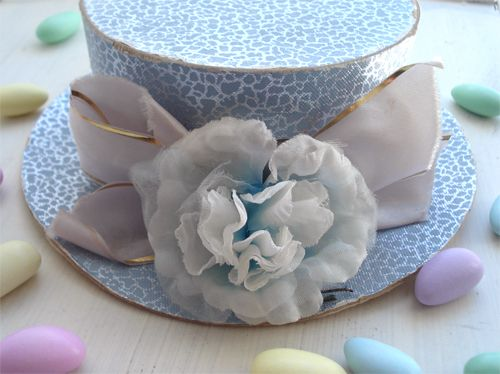 DIY candy filled hat box favors