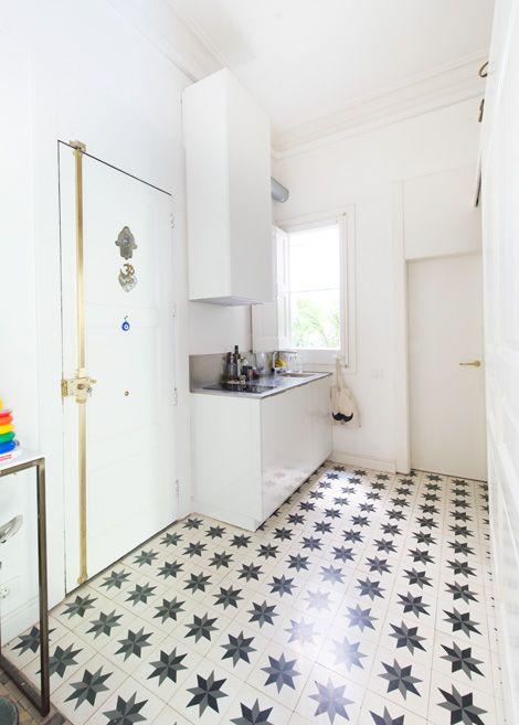 25 beste idee n over vintage appartement alleen op pinterest klassieke keuken studio - Ontwikkel een kleine studio ...