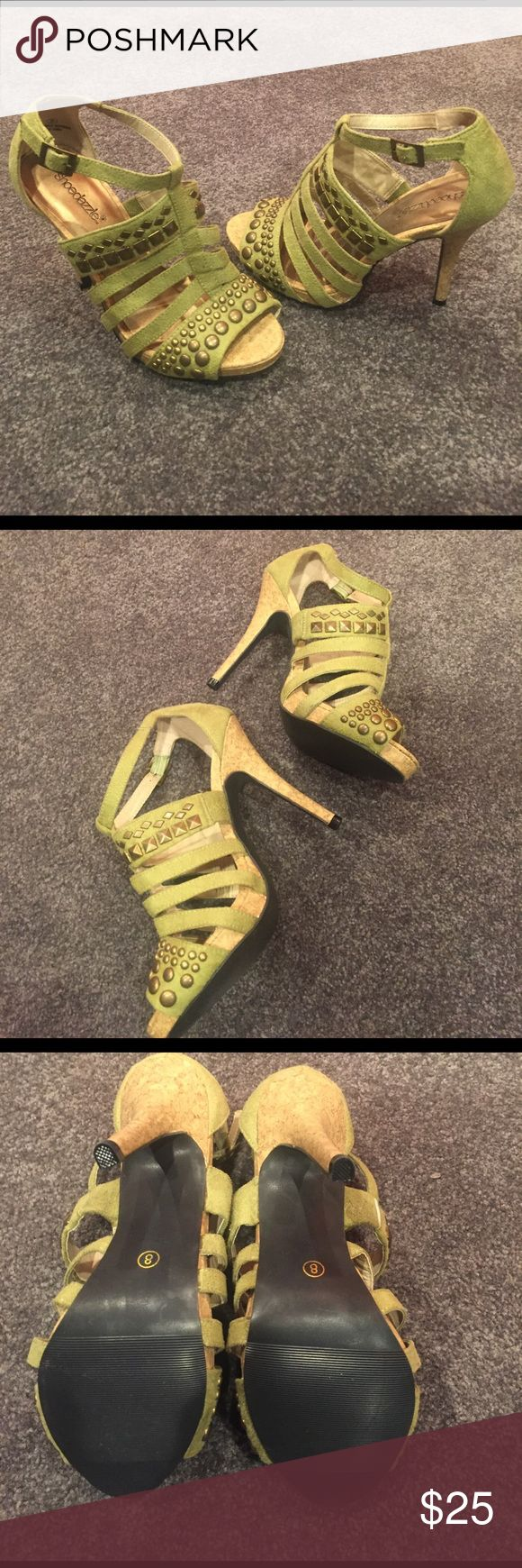 NWOT Hot! 🔥 Shoe Dazzle Green Stilettos Sz 8 New without tags, only worn inside the house to try on, light green suede with cork material heal, super cute!!! Shoe Dazzle Shoes Heels
