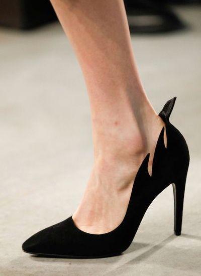 L'escarpin noir par Bottega Veneta