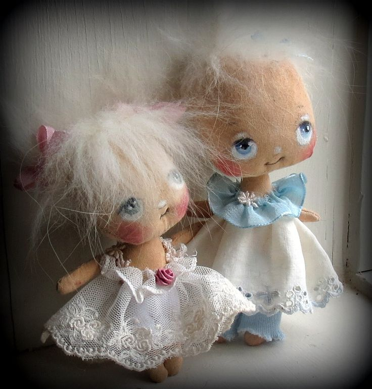 handmade dolls by Suzie Hayward.