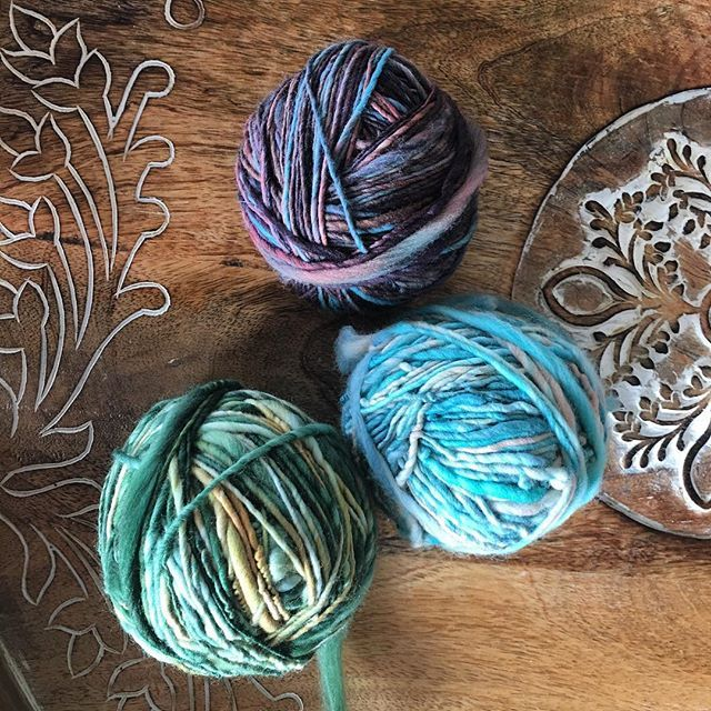 Results of some beach spinning. We love these we colors you chose @cocoon_homespun @stoneblack_coll #handspun #handspunyarn #artyarn #artyarnist #weaveweird #crochetlove #knitstagram