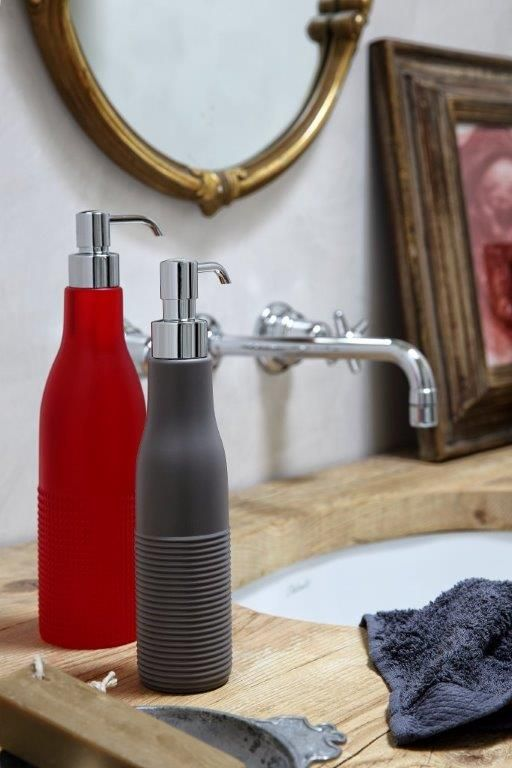RE E REGINA DI BOLLE - 250 ml and 500 ml soap dispenser in soft polyurethane gel #dosatore #sapone #geelli #morbido #accessori #bagno #bathroom