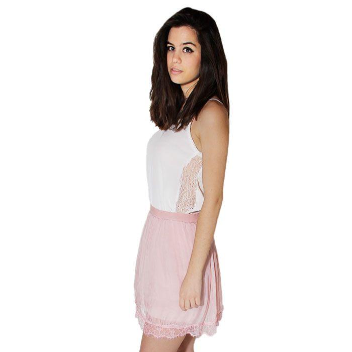 Falda rosa plisada en seda.