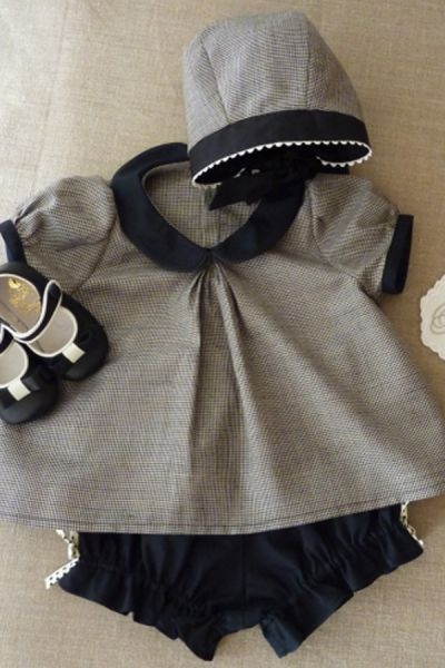 cutest baby outfit, peter pan collar, bloomers ever