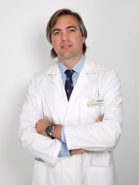 NUEVA LENTE INTRAOCULAR PARA TRATAR MIOPÍAS ALTAS. Un equipo médico de Novovisión, dirigido por el doctor Alejandro Higueras, ha realizado una investigación sobre unas nuevas lente intraocular (ICL) que aporta una mayor comodidad a los pacientes. #novovision #ICL #doctorhigueras