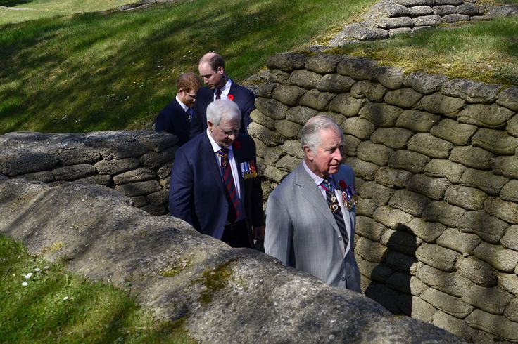 A tour of the trenches and tunnels enlightened us on the hardships of war. #Vimy100 @ClarenceHouse @KensingtonRoyal 04/09/2017
