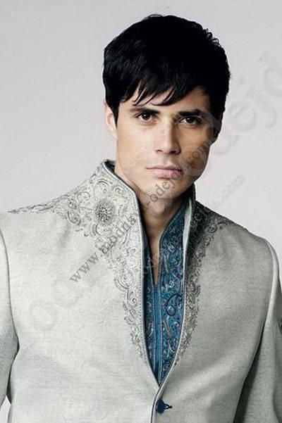 Светло-серый свадебный мужской костюм-тройка (с жилетом)