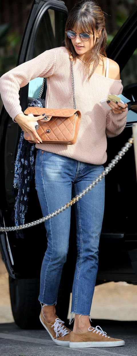Who made  Alessandra Ambrosio's sunglasses, jeans, tan quilted handbag, and