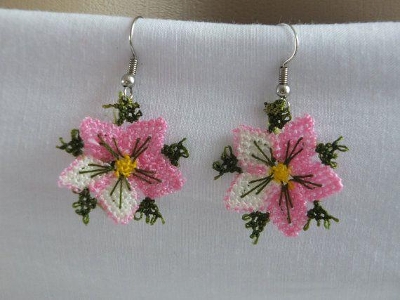SUMMER SALE needle lace earrings hand crochet by Nakkashe on Etsy