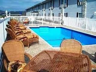 Top Local Hotel in Broaddus, Texas