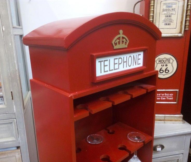 Suport pentru sticle de vin cabina telefonica