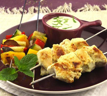 Mini duo de brochettes de poulet et légumes, marinade de yaourt épicée | Envie de bien manger http://www.enviedebienmanger.fr/