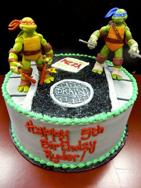 Love this Teenage Mutant Ninja Turtle birthday cake! Cowabunga! #TMNT