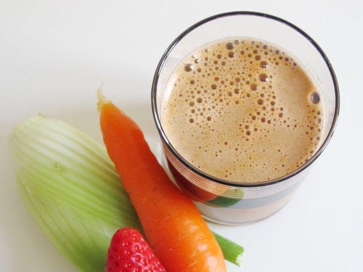 Recette de Jus de fenouil, carotte, céleri et fraise : la recette facile