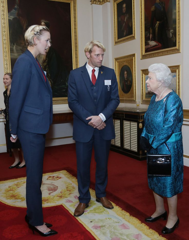 Queen Elizabeth II Photos Photos - Queen Elizabeth II meets athletes at a reception for Team GB's 2016 Olympic and Paralympic teams at Buckingham Palace October 18, 2016 in London, England. - Olympics & Paralympics Team GB - Rio 2016 Victory Parade