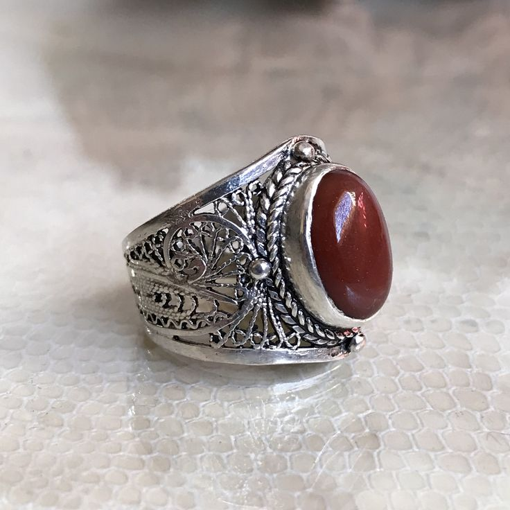 Filigrane bague argent 999 fait a main berbère , ethnic filigrane ring silver with onyx rouge