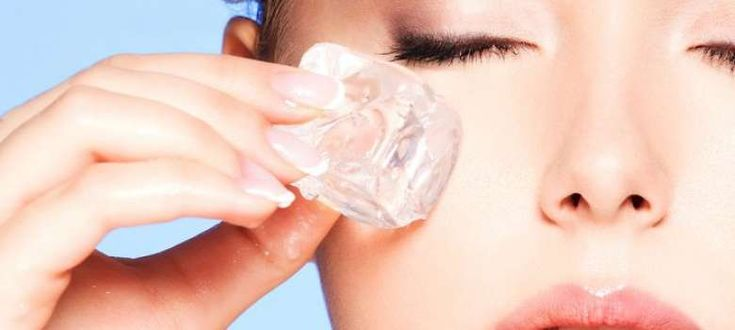 Tratamiento facial con hielo para rejuvenecer la piel
