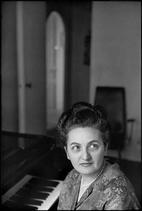 Henri Cartier-Bresson // Personalities - French pianist, Yvonne LORIOD. 1967.
