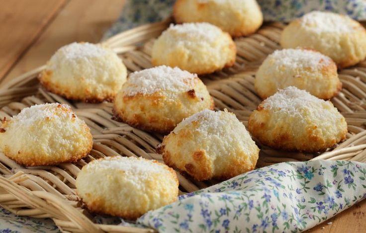 «Μπισκότα» καρύδας με 2 υλικά - Γλυκά - Μέχρι 4 υλικά | γαστρονόμος