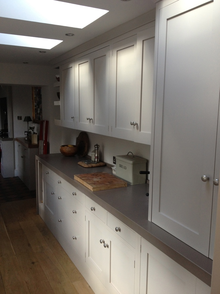Unsui silestone tops and elephant 39 s breath cabinets plan for Silestone cuisine