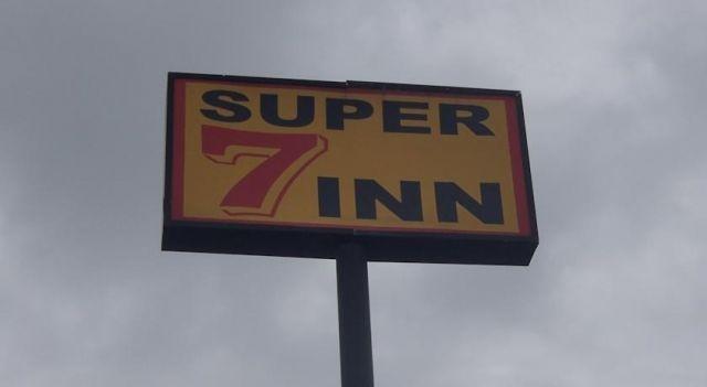 Super 7 Inn - #Motels - $55 - #Hotels #UnitedStatesofAmerica #Robstown http://www.justigo.co.za/hotels/united-states-of-america/robstown/super-7-inn-robstown_99300.html