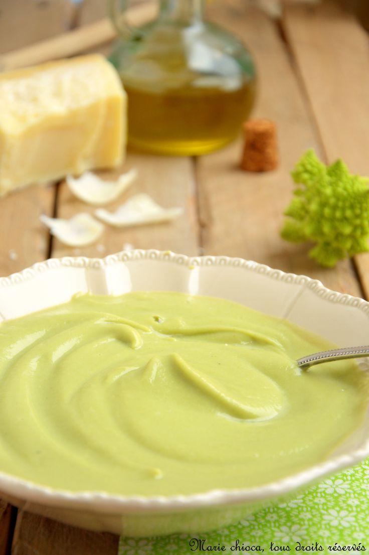 Crème de romanesco à l'huile d'olive et parmesan