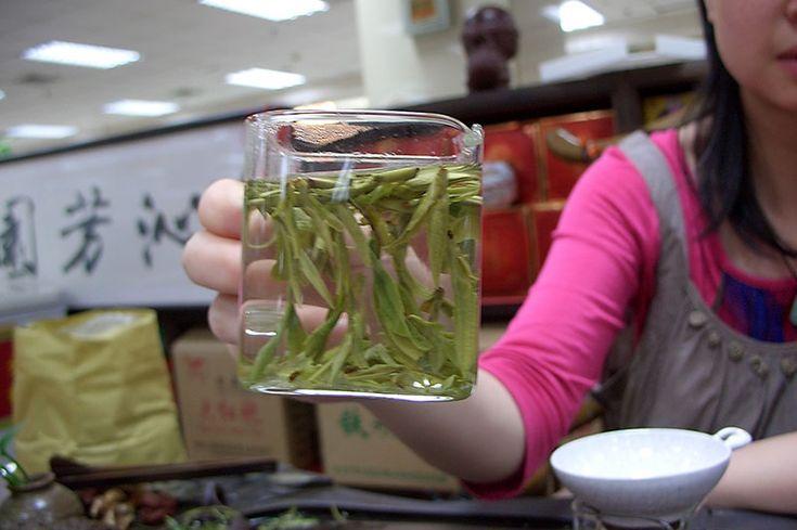 Сегодня мы поделимся с тобой уникальным рецептом, взятым из Библии. Сложно поверить, но ему уже 3 500 лет! О средстве неоправданно забыли, а ведь это целый кладезь полезных веществ. Сегодня мы расскажем тебе о пользе чая из оливковых листьев. Благодаря высокой концентрации олеуропеина в оливковых листьях это средство эффективно помогает при гонорее, гепатите, герпесе, менингите...  Read more »