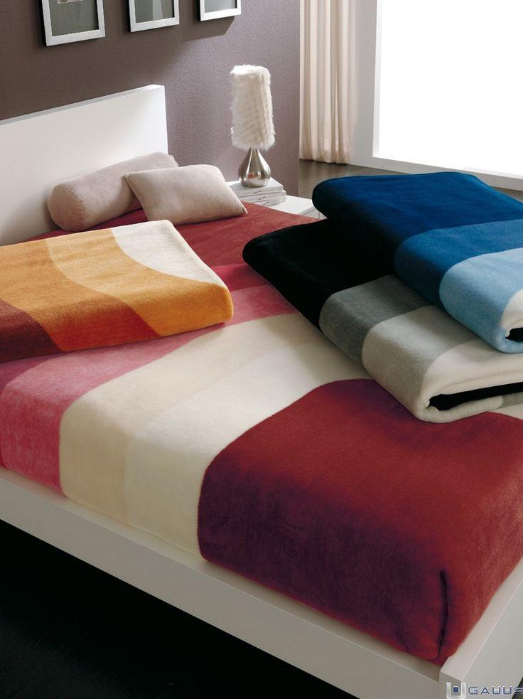 """Danos un """"Repin"""" si para estar más calentito en invierno pones una #manta debajo de la funda nórdica  http://www.gauus.es/ #RopaHogar"""