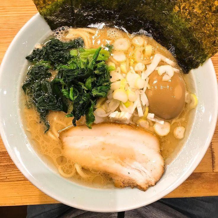豚骨ラーメン味玉@鶴一家 800円 家系で一番好きな店安定のうまさです  #家系ラーメン #豚骨醤油ラーメン #横浜 #ramen #ラーメン #らーめん #麺スタグラム #food #tokyo #困ったらここ
