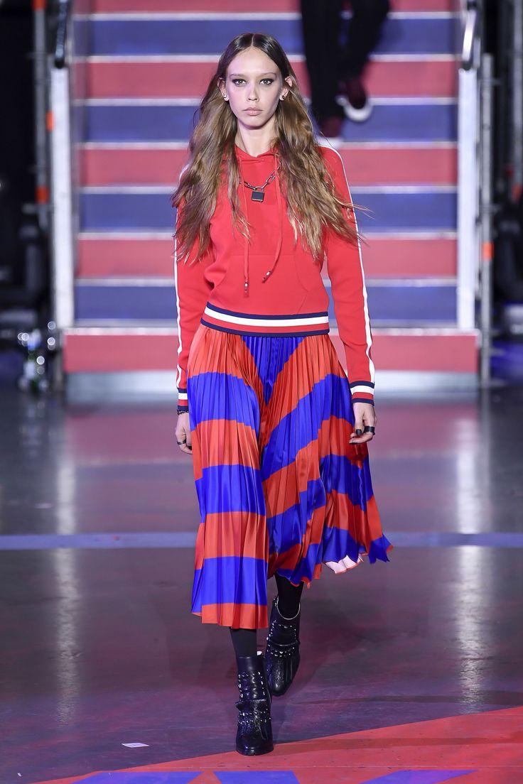 Tommy Hilfiger Fall 2017 Ready-to-Wear Fashion Show - Moira Berntz