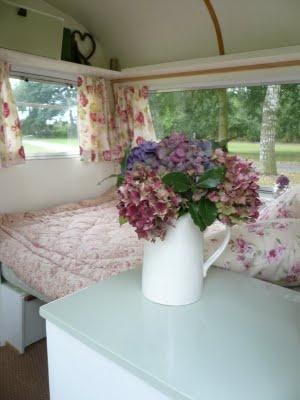 I think the '79 coachmen is getting a makeover!  Vintage Caravan.... Interior!