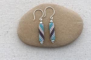 Free pattern and tutorial to learn to make flat peyote stitch tube beads with a spiral color pattern and then add them to simple earrings.