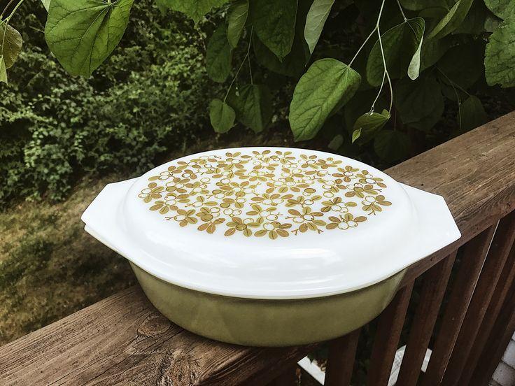 Vintage Pyrex Casserole Dish 1950s $25